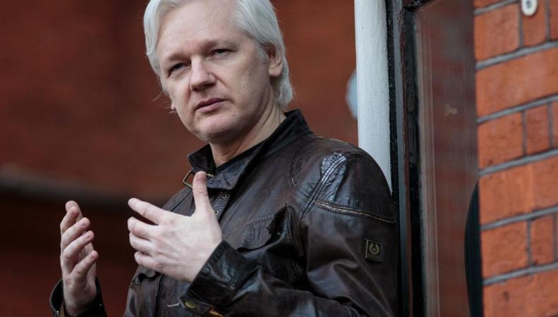 Ассанжа отрезали от интернета в лондонском посольстве Эквадора