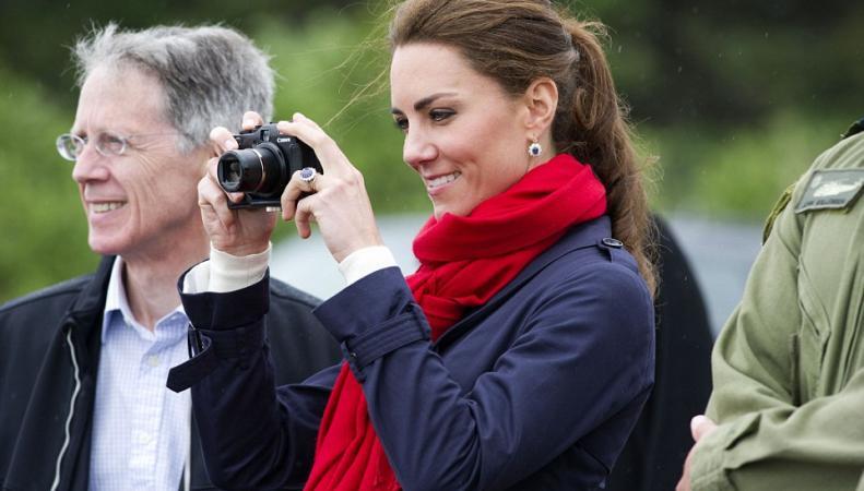 Герцогиня Кейт принята почетным членом Королевского фотографического общества фото:dailymail.co.uk