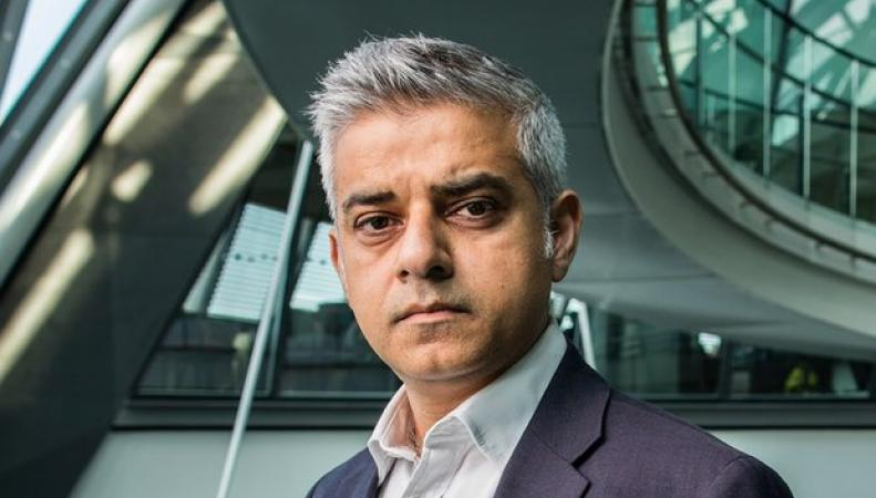 «Кто мог бы сыграть меня в кино? – Джордж Клуни», - интервью Садика Хана фото: The Guardian