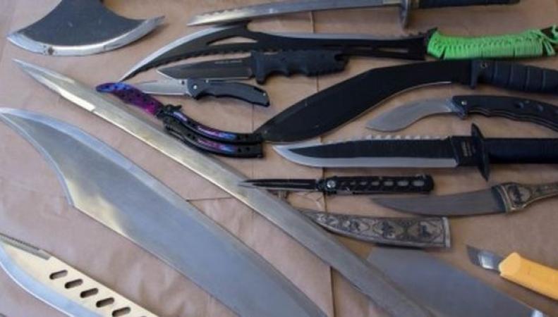 Британским службам доставки запретят принимать посылки с ножами фото:bbc