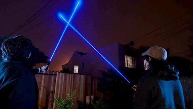 В Великобритании ужесточат правила продажи лазерных указок фото:express