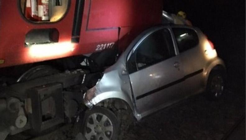 В Шотландии поезд врезался в автомобиль на скорости 100 миль/ч фото:bbc.com