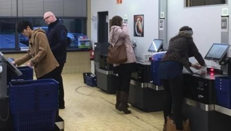 Сеть супермаркетов Lidl отказалась принимать круглые однофунтовые монеты