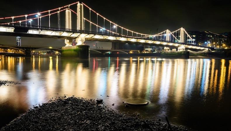 Лондонские мосты получат декоративную подсветку фото:londonist.com