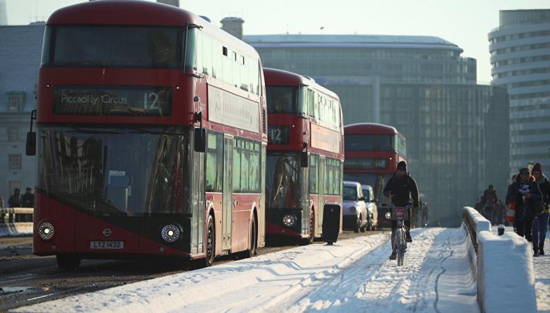 Лондон в снегу британцы фотографируют и выкладывают в соцсети