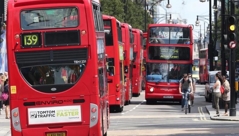 В центре Лондона будут изменены десятки автобусных маршрутов фото:standard.co.uk
