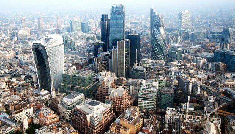 Британская экономика стала критически зависимой от лондонских налогов фото:bbc.com