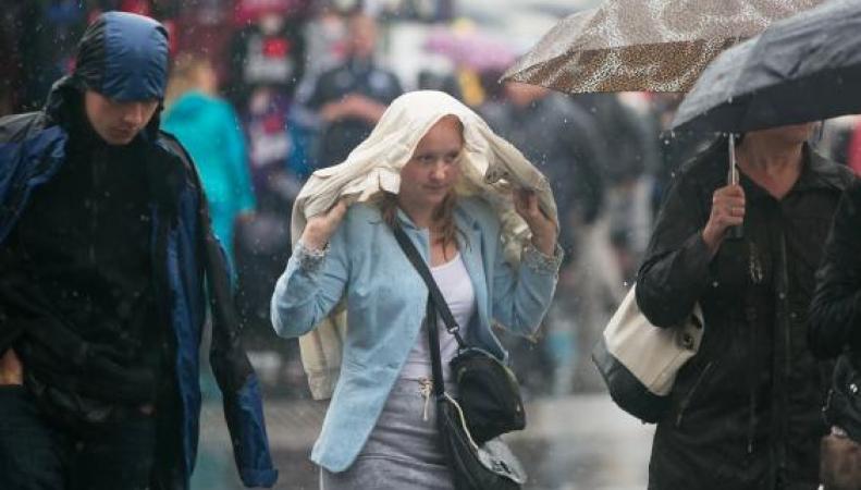 Штормовое предупреждение по югу Англии и в Лондоне фото:standard.co.uk