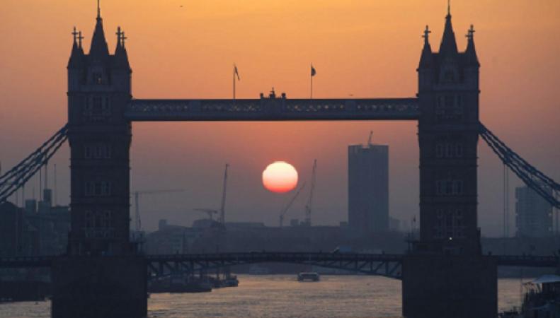Синоптики пообещали британцам аномально теплый понедельник фото:standard.co.uk