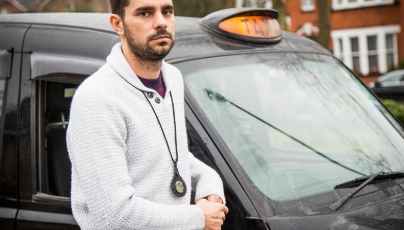 Лондонский таксист судится с мэрией из-за проезда на красный свет во время теракта