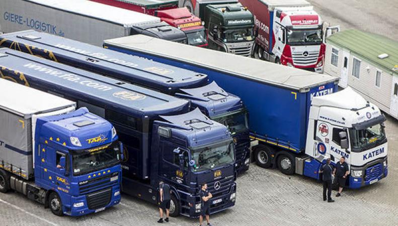 Иностранных дальнобойщиков вынудят платить за каждую пройденную милю в Британии