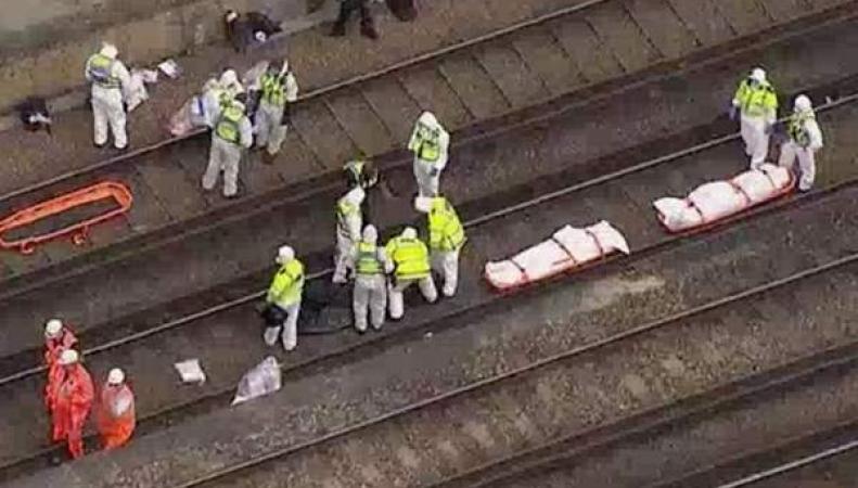 На железнодорожных путях в лондонском округе Ламбет обнаружены три трупа