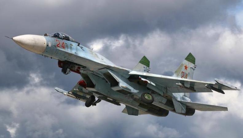 российский самолёт перехватывает авиацию США