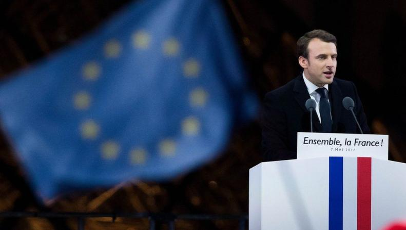 Что значит для Великобритании победа Эммануэля Макрона  фото:bbc