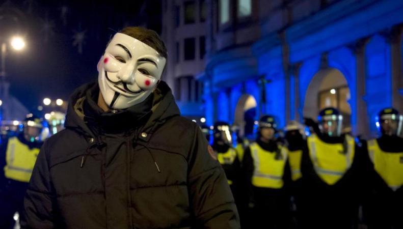 Милиция Лондона задержала 18 участников движения Anonymous