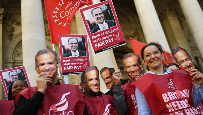 Работники Банка Англии начали забастовку из-за низких зарплат фото:bbc