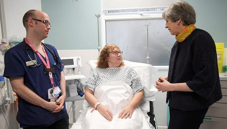 Тереза Мэй извинилась за очередной «зимний кризис» NHS