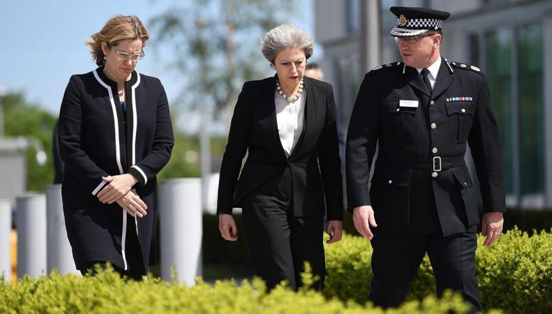 Предвыборная агитационная кампания в Великобритании приостановлена до четверга