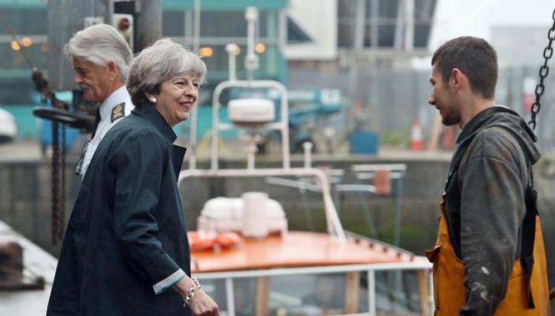 Соцопрос впервые показал возможность поражения консерваторов на парламентских выборах фото:thetimes
