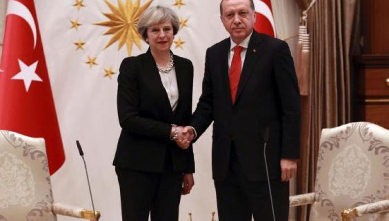 Тереза Мэй заключила контракт на поставку британских истребителей в Турцию фото:standard.co.uk