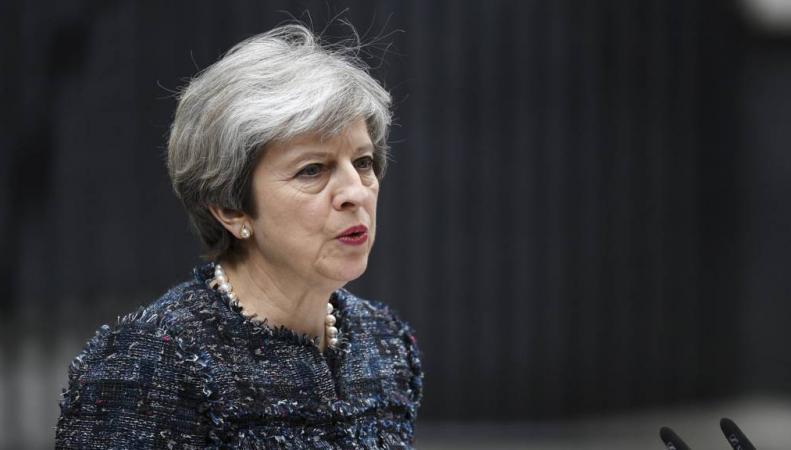 Тереза Мэй обвинила Евросоюз во вмешательстве в подготовку к парламентским выборам фото: bbc