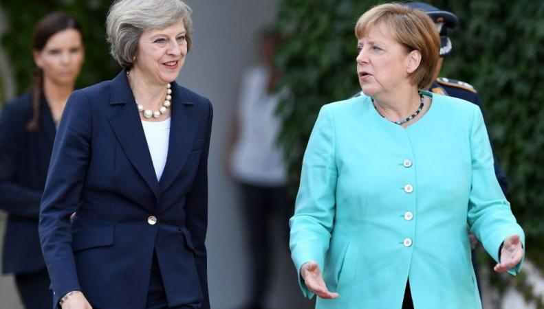 Тереза Мэй отложила Brexit на полгода фото:standard.co.uk