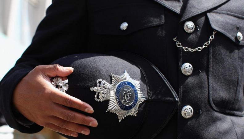 Полиция Англии и Уэльса перестанет принимать на работу людей без высшего образования фото:standard.co.uk