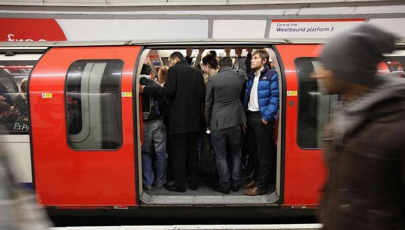 В лондонском метро расформирована служба по борьбе с карманниками фото:standard.co.uk