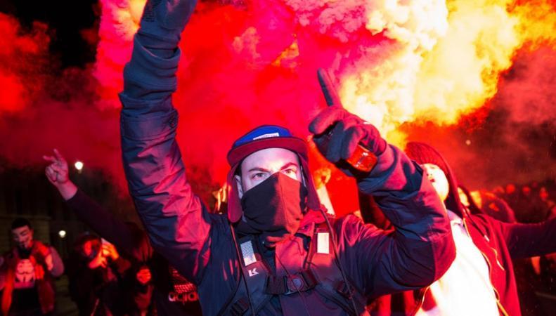 Анархисты из движения Anonymous взломали сайт Скотланд-Ярда фото: independent.co.uk