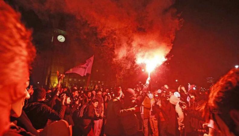 Вечером пятого ноября в центре Лондона возможны массовые беспорядки фото:standard.co.uk