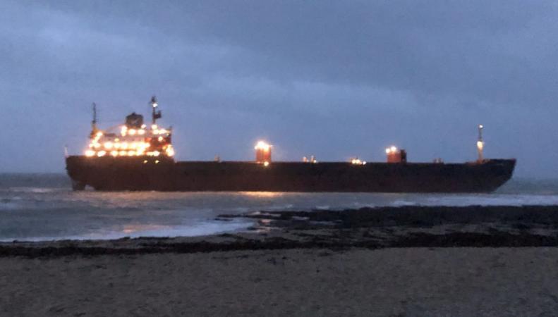 Российский корабль сел на мель в Корнуолле