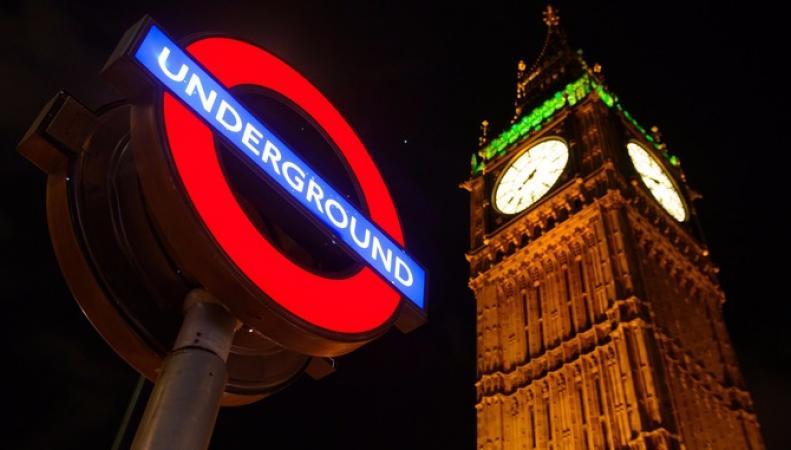 Две линии метро встолице Англии начали работу вкруглосуточном режиме