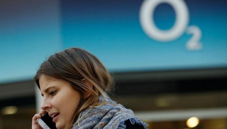 Брюссель заблокировал процедуру продажи британского мобильного оператора О2 фото:theguardian.com