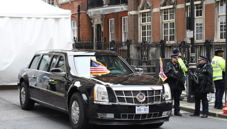 Лимузин президента США в Лондоне
