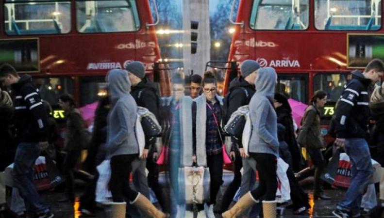 Британские потребители затаились: Ключевой экономический показатель пошел на спад фото:reuters