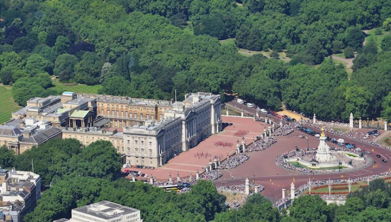 Секреты Букингемского дворца фото:londonist.com