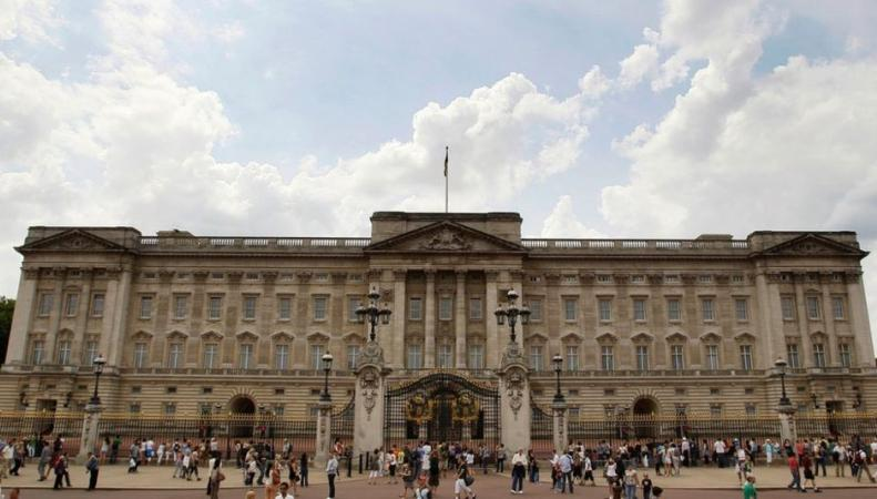 Королеве Елизавете II нужно 369 миллионов фунтов стерлингов из бюджета фото:bbc.com