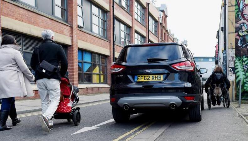 В Великобритании появится штраф за парковку на тротуарах