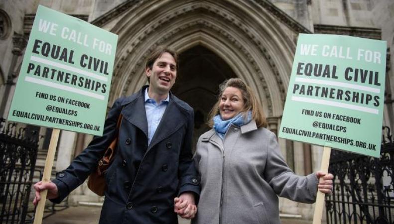 Британским гетеросексуальным парам разрешат гражданское партнерство