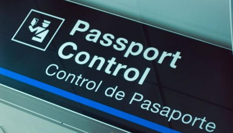 Более тысячи пассажиров из Великобритании были вынуждены ждать в очередях в испанском аэропорту