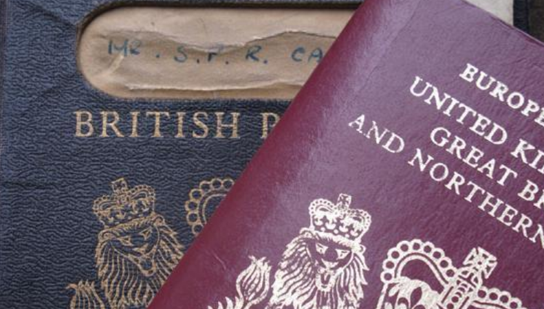 Евросоюз обвинил Терезу Мэй во введении нации в заблуждение относительно паспортов