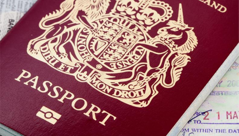 МВД Великобритании открыло прием онлайн-заявлений на замену паспорта
