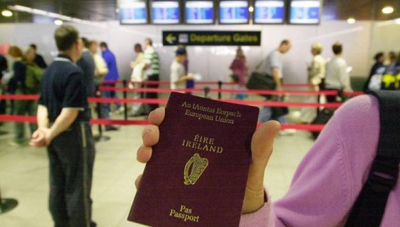 Граждане Великобритании запросили рекордное число ирландских паспортов