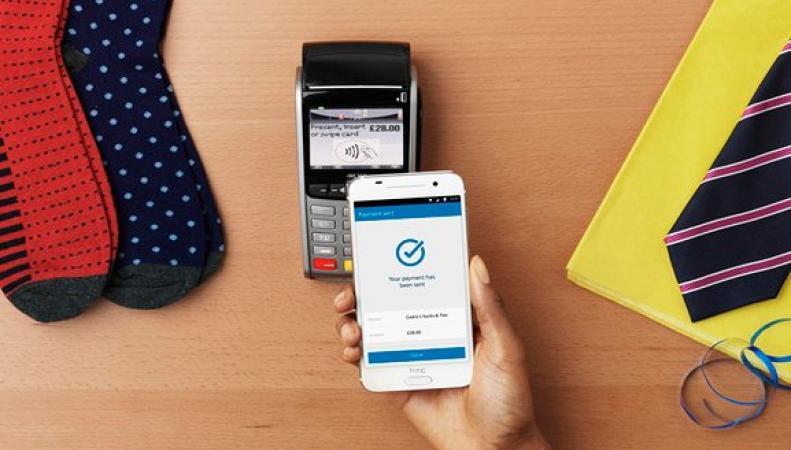 Barclays в Великобритании запустит бесконтактную оплату с телефонов на платформе Android  фото:theguardian.com