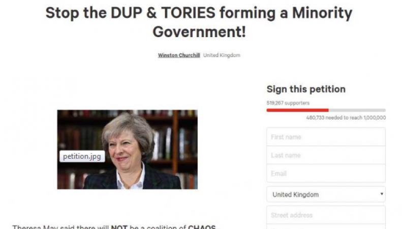 Петиция против альянса консерваторов и DUP набрала полмиллиона голосов