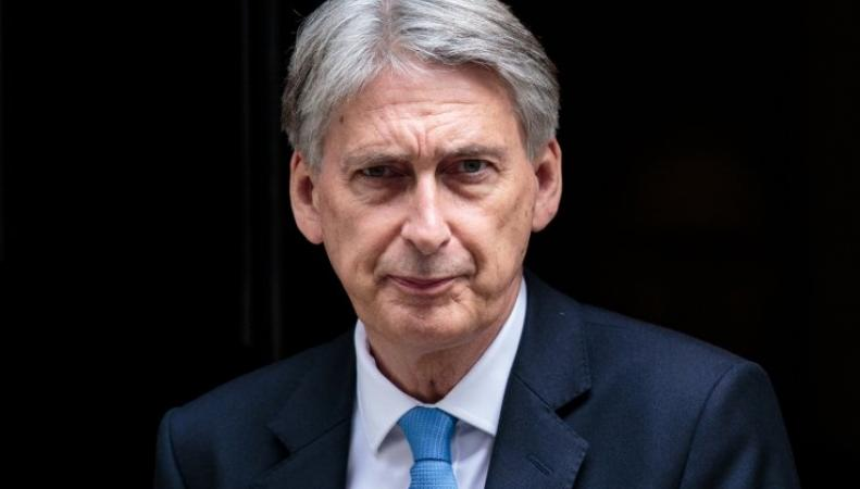 Филипп Хэммонд задолжал шестизначную сумму министерству обороны