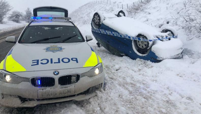 Британцев просят запастись продуктами - сильнейший снегопад продлится три дня