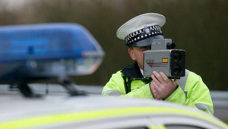 Офицеры дорожной полиции ужесточат контроль скоростного режима на британских дорогах