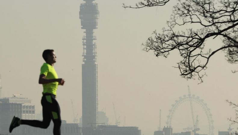 Воздух в сорока четырех британских городах опасен для жизни, - отчет ООН