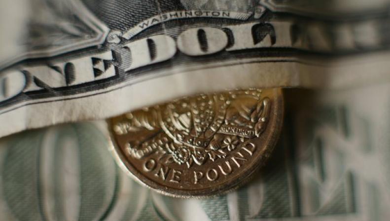 Курс фунта стерлингов продолжил падение четвертый день подряд фото:theguardian.com